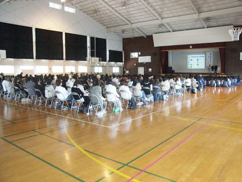 「学校・生徒・家庭」で取り組む服育/佐賀県立杵島商業高等学校